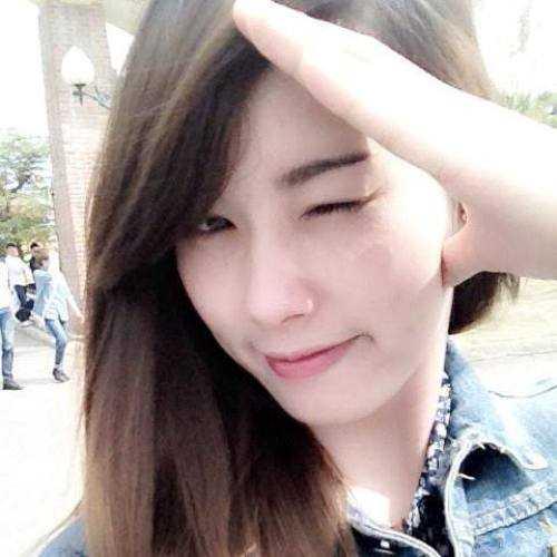 Nữ sinh xinh đẹp này là Đoàn Thị Lan, sinh ngày 20/1/1995, đến từ Phúc Thọ - Hà Nội.