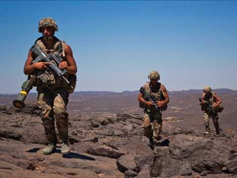 Lính Pháp tuần tra tại thung lũng Terz, khoảng 60 km về phía nam thị trấn Tessalit, miền Bắc Mali tháng 3/2013
