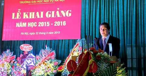 PGS.TS Triệu Văn Cường, Thứ trưởng Bộ Nội vụ, Hiệu trưởng ĐH Nội vụ Hà Nội phát biểu khai giảng năm học mới