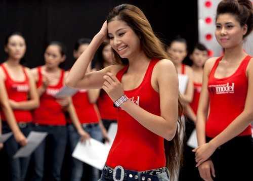 Năm 2010, Phạm Hương tham gia cuộc thi Vietnam's Next Top Model. Tuy không đạt được thứ hạng cao, nhưng vẻ đẹp của người đẹp gốc Hải Phòng ít nhiều để lại ấn tượng.