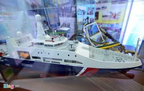 Tàu tuần tra đa năng DN 2000 (8001) phục vụ cho cảnh sát biển - sản phẩm chuyển giao công nghệ của tập đoàn Damen (Hà Lan) - được các kỹ sư, công nhân Việt Nam đóng mới tại nhà máy đóng tàu Sông Thu là một trong những sáng chế công nghệ made in Vietnam được khách quan tâm. Tàu cảnh sát biển này được đánh giá hiện đại nhất Đông Nam Á.