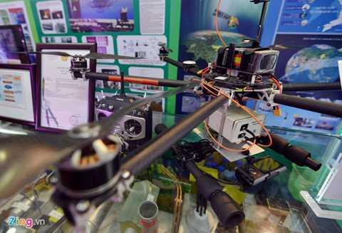 Phổ kế phản xạ được lắp đặt trên máy bay là phát minh của Viện Hàn lâm khoa học Công nghệ Việt Nam.