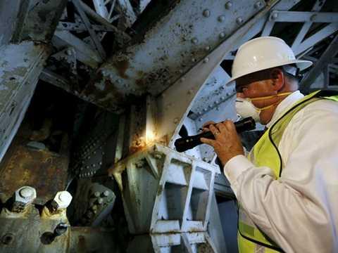 Thanh tra chỉ ra cấu trúc xuống cấp của cây cầu Memorial ở Washington, Mỹ