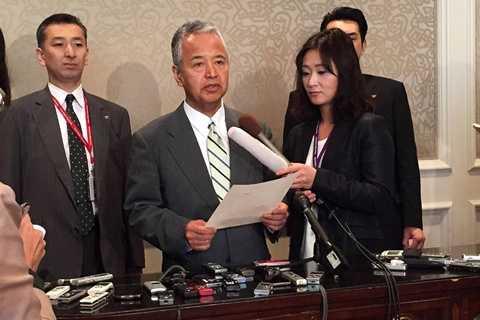 Bộ trưởng Kinh tế Nhật Akira Amari trả lời phỏng vấn