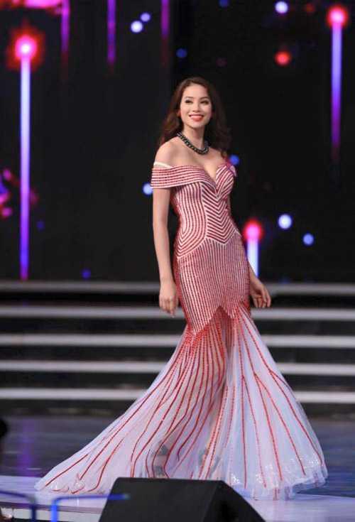Hình ảnh của Phạm Hương trên trang cá nhân của chuyên gia sắc đẹp Ines Ligron