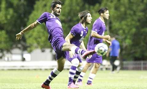 Ngay khi vừa tới Việt Nam, các cầu thủ Iraq đã có buổi tập làm quen sân vào chiều qua