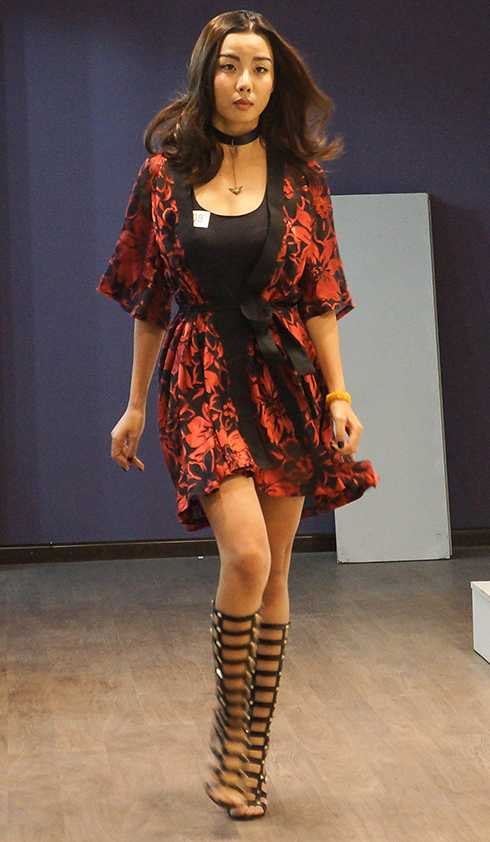 Siêu mẫu phong cách 2013 Lại Thanh Hương xuất hiện tại buổi casting với trang phục khoẻ khoắn, ấn tượng