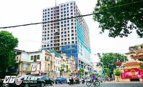 Luật sư kiến nghị cần phải cắt bỏ 8 tầng tòa nhà 8B Lê Trực hiện tại.