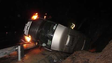 Vụ tai nạn khiến 1 người trên xe chết, nhiều người bị thương