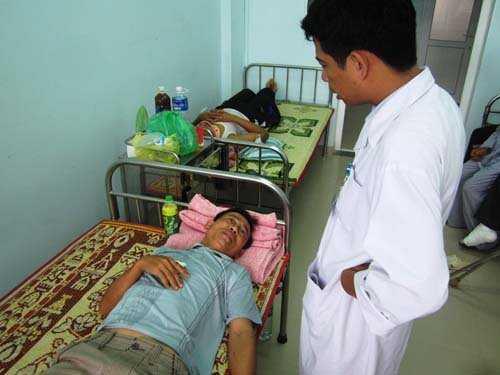 Anh Hoàng Hữu Trường bị chấn thương ở tay, vẫn chưa hoàn hồn vì vụ tai nạn quá kinh hoàng