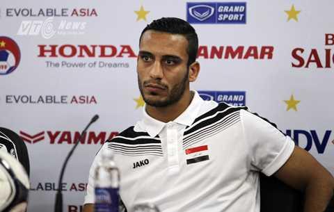 Ali Adnan ngôi sao số 1 của đội tuyển Iraq (Ảnh: Hà Thành)
