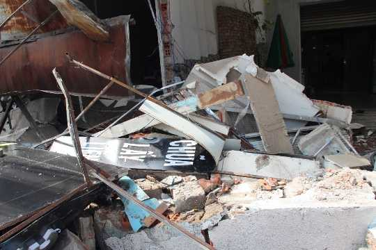 Trong đó, thiệt hại nặng nhất là ở căn nhà kinh doanh điện thoại di động