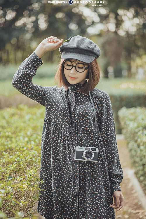 Ngoài việc học, cô vẫn nhận chụp hình, quảng cáo. Thúy Kiều cũng nhận lời đóng một số bộ phim mang hình   ảnh trong sáng, phù hợp lứa tuổi.