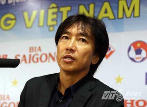HLV Miura đúng thường phát huy giá trị của mình nhiều hơn khi đặt Việt Nam ở cửa dưới. (Ảnh: Quang Minh)