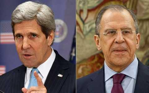 Ngoại trưởng Mỹ Kerry (trái) và Ngoại trưởng Nga Lavrov