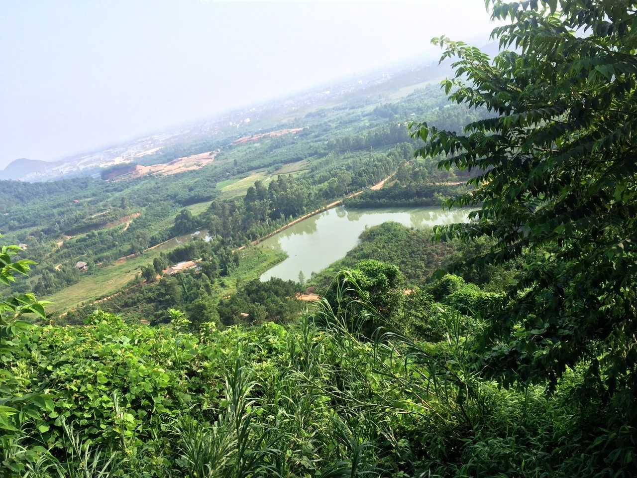 Vùng đất được công ty Phúc Sơn dự định làm công viên nghĩa trang Thiên An Viên. Ảnh: Châu Anh