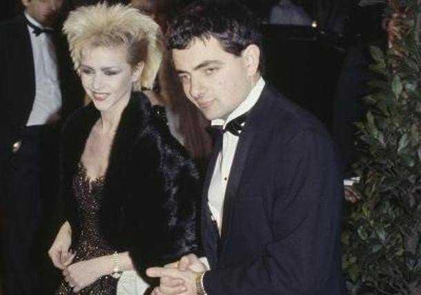 Rowan Atkinson và Leslie Ash tại buổi công chiếu