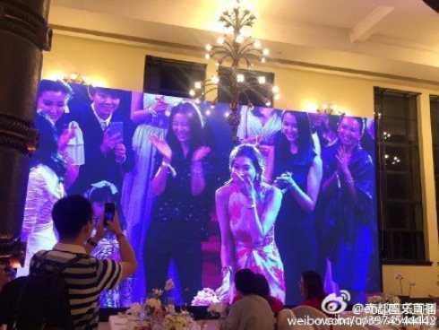 Lâm Chí Linh bắt được hoa cưới.