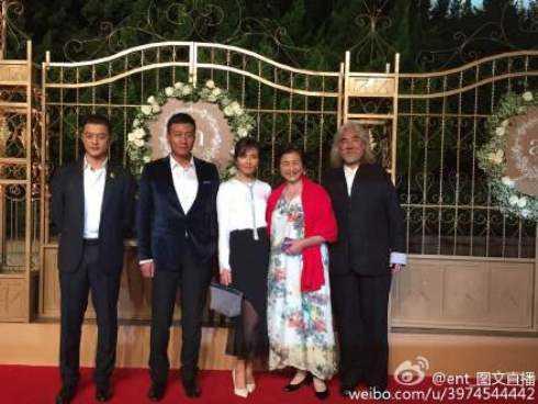Từ phải qua: Đạo diễn Trương Kỷ Trung, Trịnh Bội Bội, Lưu Đào, Hồ Quân và Lý Á Bằng.