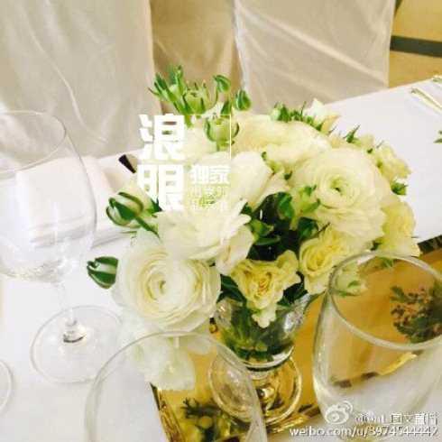 Hoa tươi và rượu