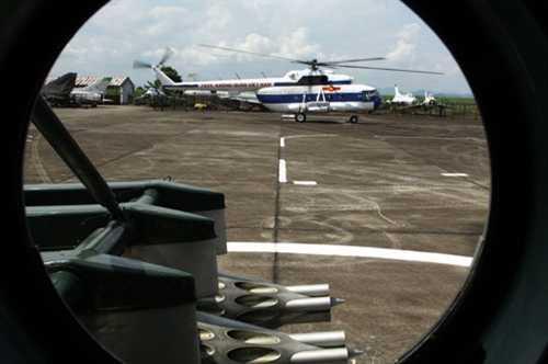 Các tổ bay trực thăng của Trung đoàn 916 thực hiện 7 lần chuyến bắn rốc két.