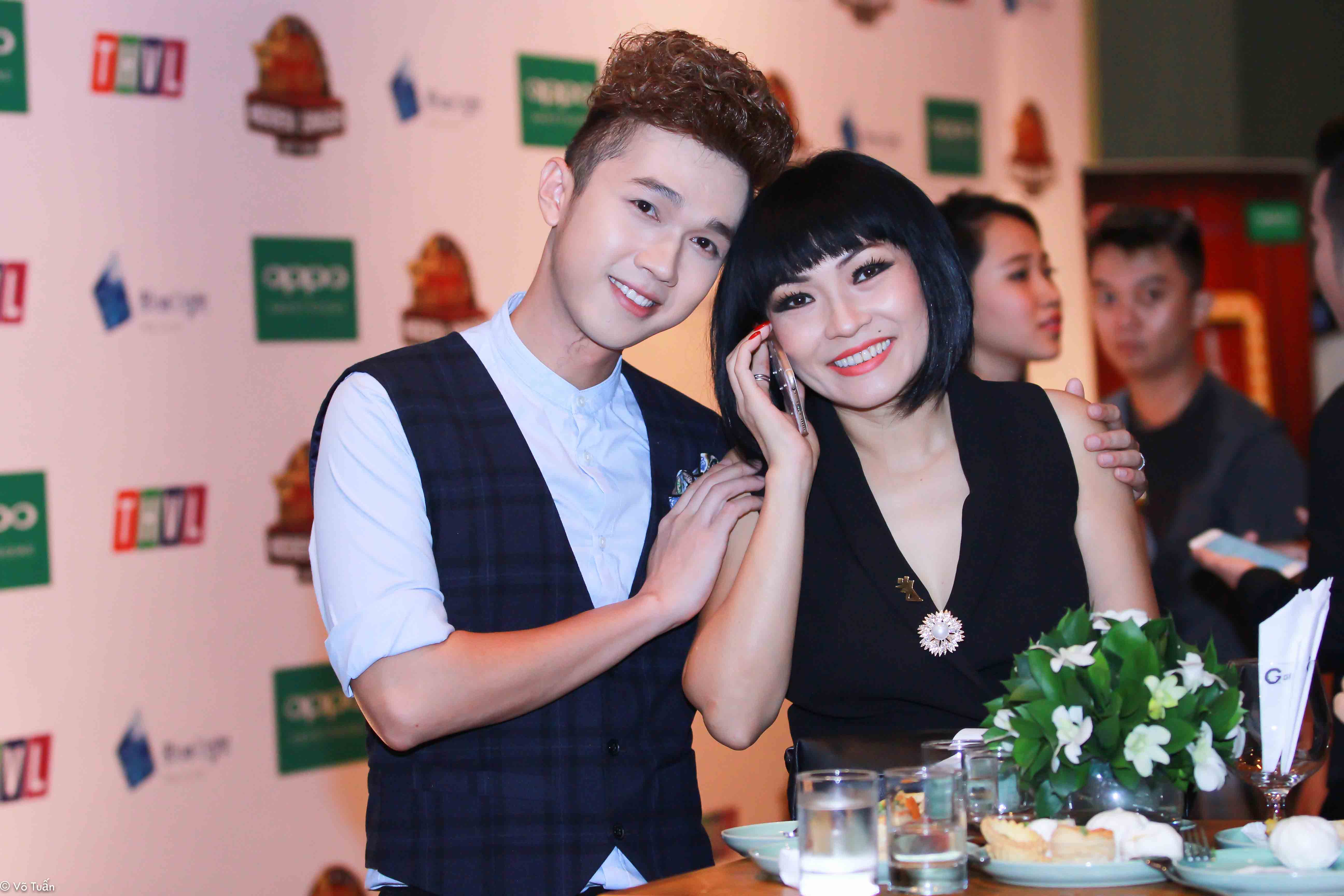 Minh Xù và Phương Thanh tại buổi họp báo.