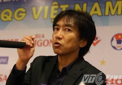 HLV Miura đã có cách khiến Kiatisak phải sợ