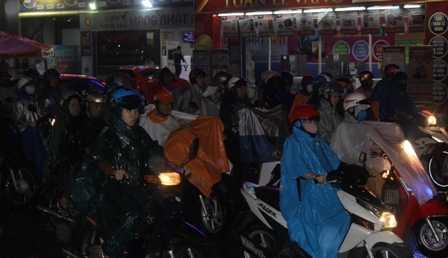 Góc đường Nguyễn Oanh - Phan Văn trị, tình trạng kẹt xe kéo dài cả km.
