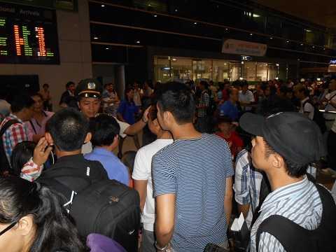 Tăng cường gắn camera để thuận lợi cho việc giám sát an ninh trật tự tại sân bay Tân Sơn Nhất. Ảnh: Phan Cường