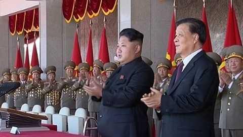 Nhà lãnh đạo Kim Jong-un và ông Lưu Vân Sơn, quan chức cấp cao Trung Quốc