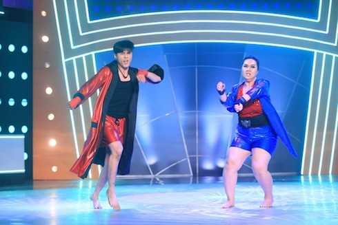 Minh Thảo và Lâm Vinh Hải biểu diễn Circle of life. Cặp đôi có tổng điểm 10,4.