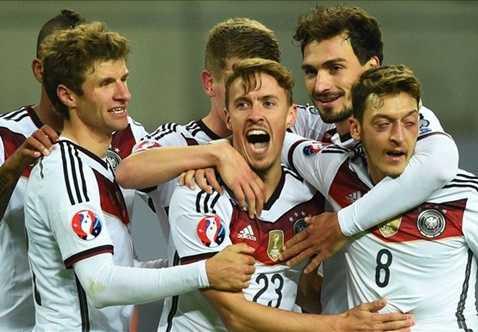 ĐT Đức giành vé chính thức bảng D