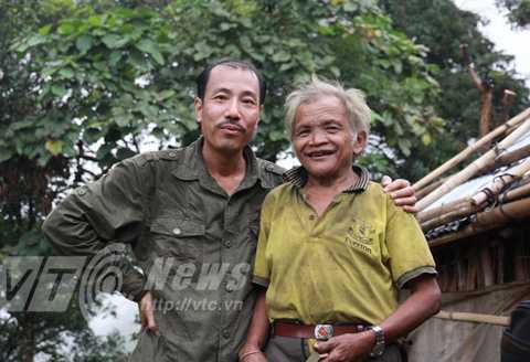 Lương y Thanh và một 'ông cụ' Xê Đăng 50 tuổi trên núi Ngọc Linh