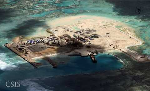 Đá Châu Viên thuộc quần đảo Trường Sa (Việt Nam) bị phía Trung Quốc chiếm đóng và xây dựng công trình trái phép. Ảnh chụp vệ tinh tháng 11/2014