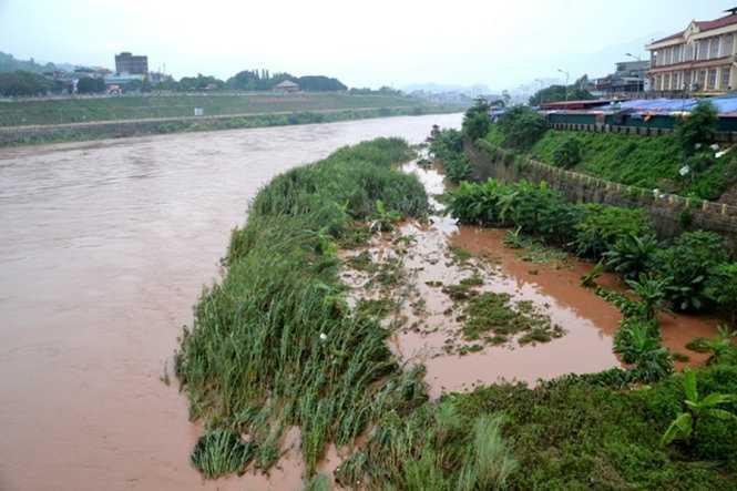 Lũ trên sông Hồng ở TP Lào Cai đã rút nhanh.