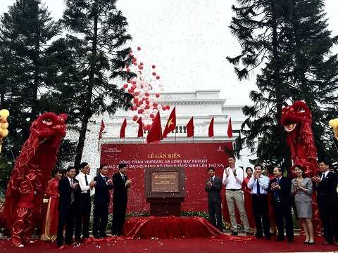 Vinpearl Hạ Long Bay Resort được gắn biển công trình tiêu biểu Quảng Ninh