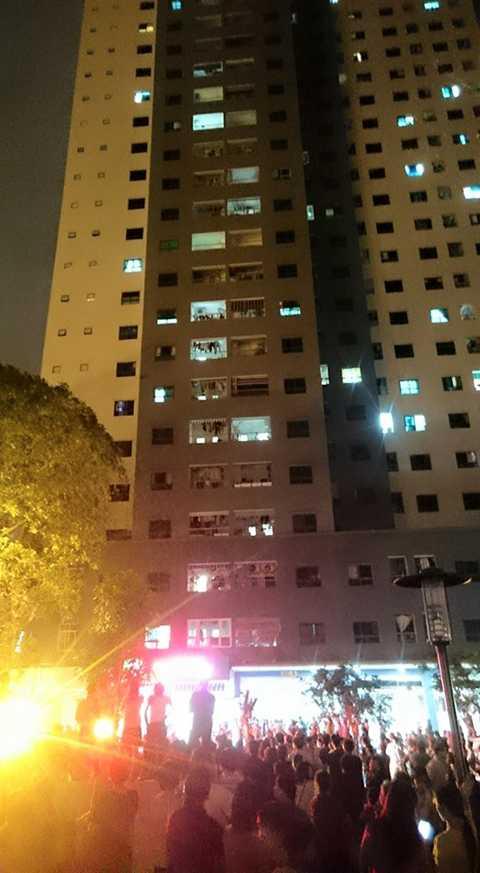 Hiện trường vụ cháy tòa nhà VP5 (Linh Đàm, Hà Nội)