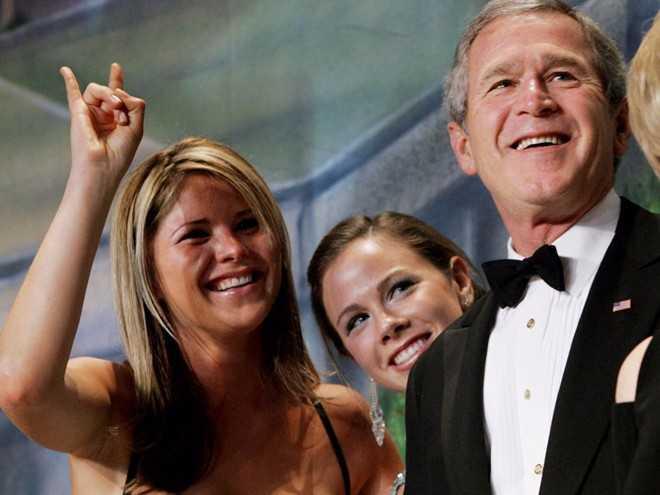 Jenna Bush Hager, em sinh đôi của Barbara, là cử nhân ngành tiếng Anh Đại học Texas ở Austin năm 2004. Hiện tại, Jenna là nhà văn, biên tập viên tại tạp chí Southern Living. Vợ chồng Tổng thống Bush không tham dự lễ tốt nghiệp của hai con gái vì họ muốn con có thể trải qua buổi lễ quan trọng này như những sinh viên bình thường