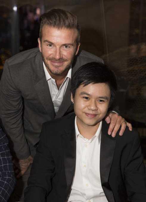 Phan Thành từng dùng bữa với David Beckham trong một lần cầu thủ này sang Việt Nam