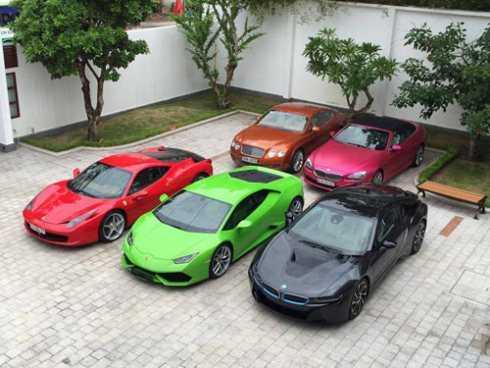 5 chiếc xe có tổng giá trị hơn 40 tỷ đồng của Phan Thành