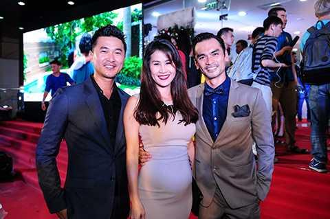 Nam diễn viên Quốc Cường và cựu người mẫu Thân Thúy Hà đến chung vui cùng Đức Hải.