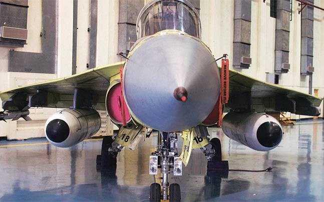 Máy bay chiến đấu hạng nhẹ Tejas do Ấn Độ tự sản xuất