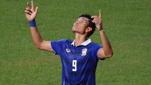 Adisak Kraisorn là ngôi sao sáng của Thái Lan