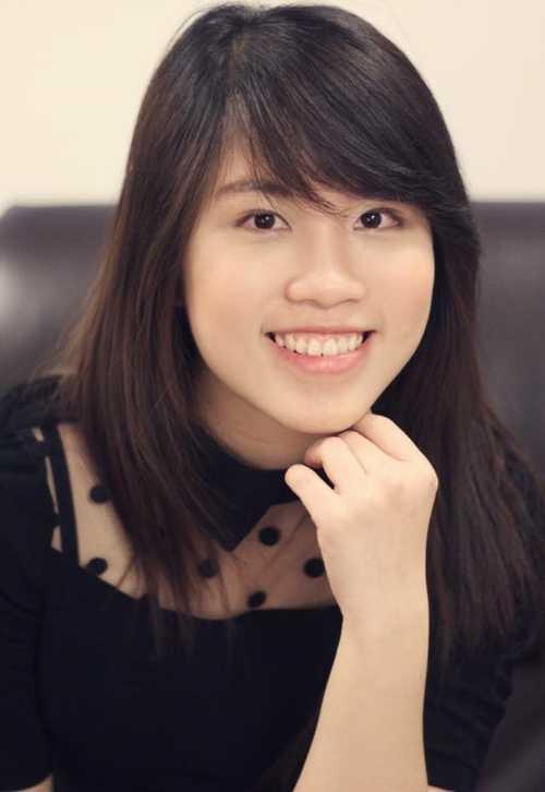 Lê Huyền Như Linh, sinh năm 1992, hiện là sinh viên trường Đại học Manitoba, Canada. Cô nàng từng đậu ngành Pharmacy và Science (tạm dịch Thuốc và Khoa học) của 5 trường top ở Úc. Ngoài ra, Như Linh còn là admin hội Du học sinh Việt Nam tại Manitoba, thường xuyên tham gia tổ chức các hoạt động cho du học sinh vào các dịp Lễ tết.