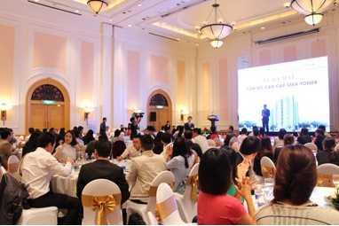 """Lễ ra mắt dự án """"Tòa nhà Chung cư và Dịch vụ Star Tower"""" thu hút đông đảo khách hàng đến tìm hiểu"""