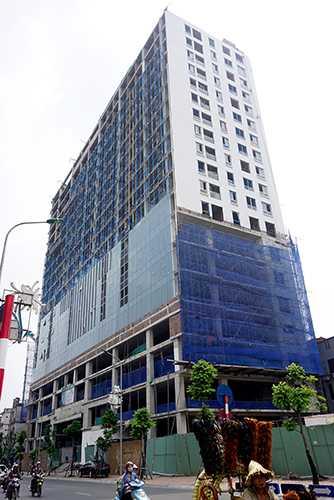 Thành phố Hà Nội sẽ xử lý nghiêm những sai phạm tại nhà 8B Lê Trực. Ảnh: Giang Huy.