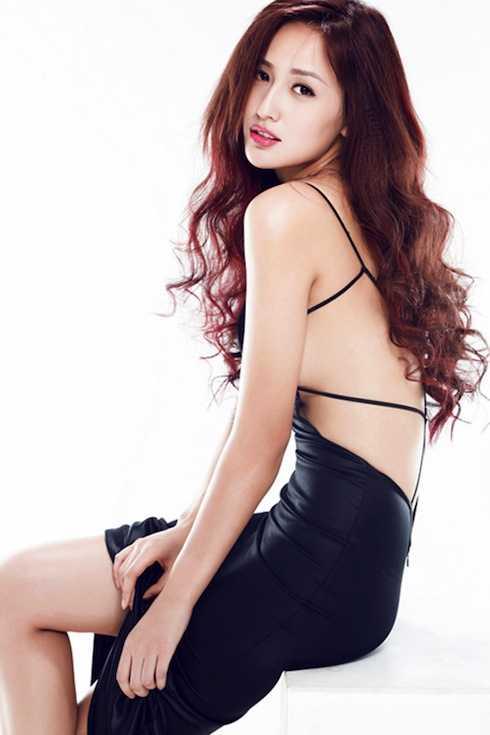 Gần 10 năm sau khi đăng quang, Mai Phương Thúy vẫn giữ được vẻ đẹp trẻ trung, gợi cảm và là gương mặt quảng cáo ăn khách trong showbiz