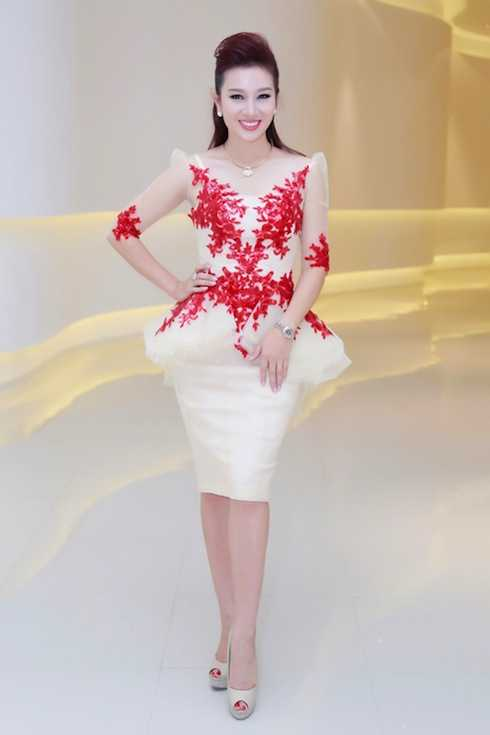 Thu Hương được biết đến là một bà chủ tài ba trong showbiz Việt