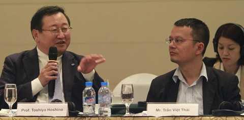 Các học giả Nhật Bản và Việt Nam trao đổi tại cuộc hội thảo - Ảnh: V.V.T