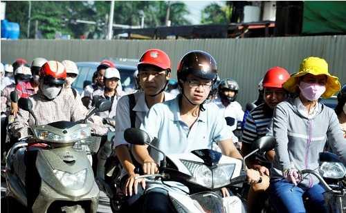 Sẽ bỏ hẳn phí bảo trì đường bộ với xe máy